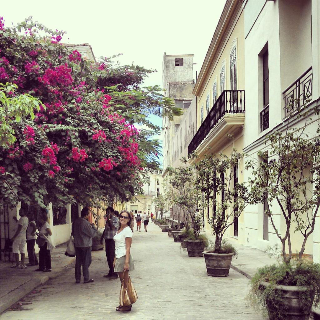 Rua de Habana Vieja restaurada