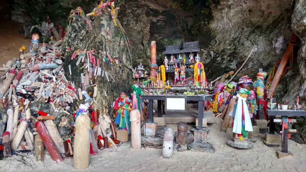 Phranang cave beach amanda viaja