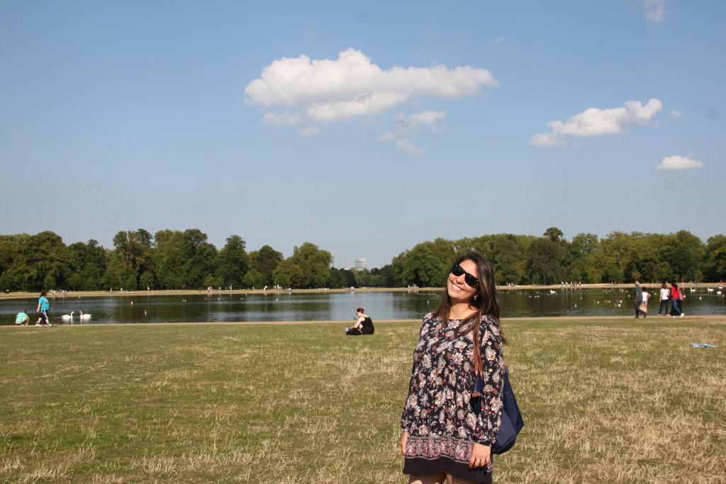 Lara no Kensigton Gardens