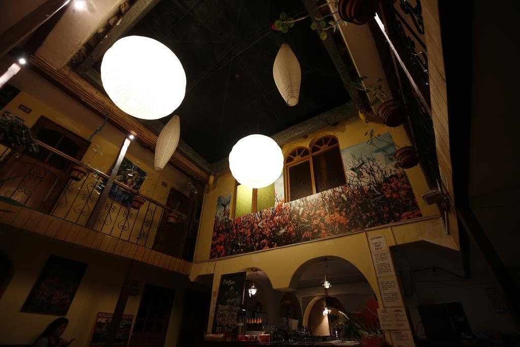 Recepção Pisko and Soul Hostel, em Cusco