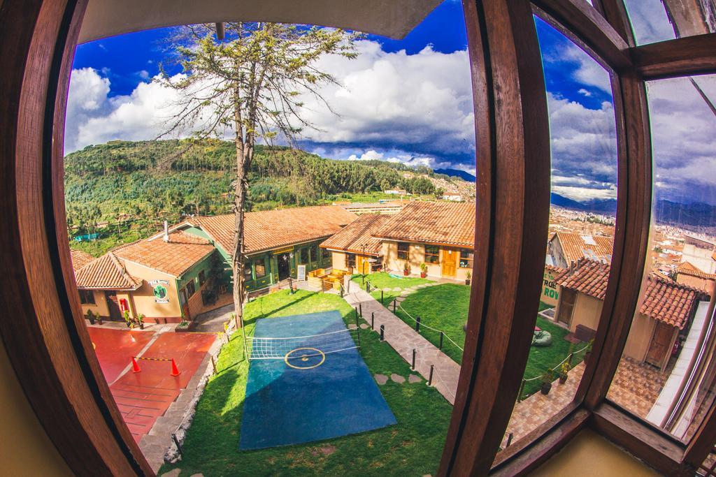 Área de lazer do The Wild Rover em Cusco
