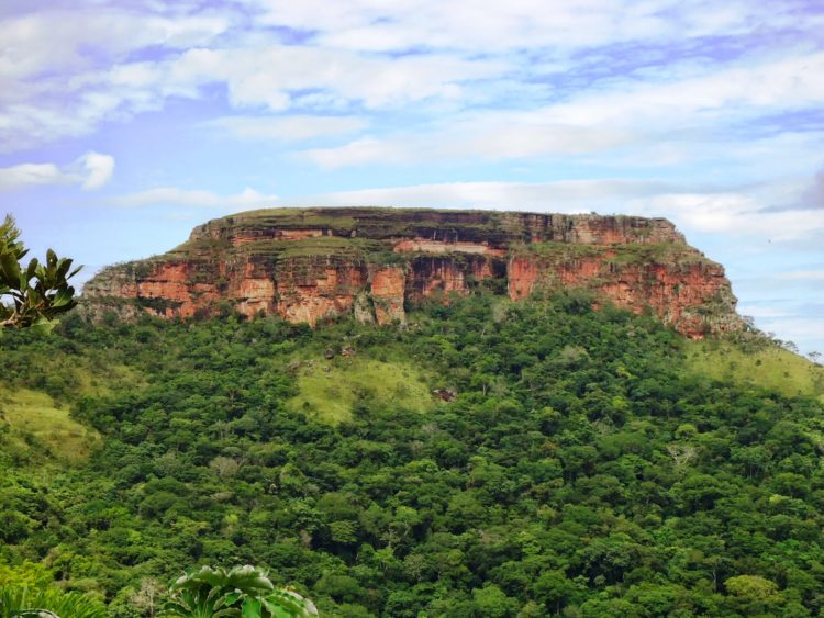 Morro São Jerônimo na Chapada dos Guimarães MT