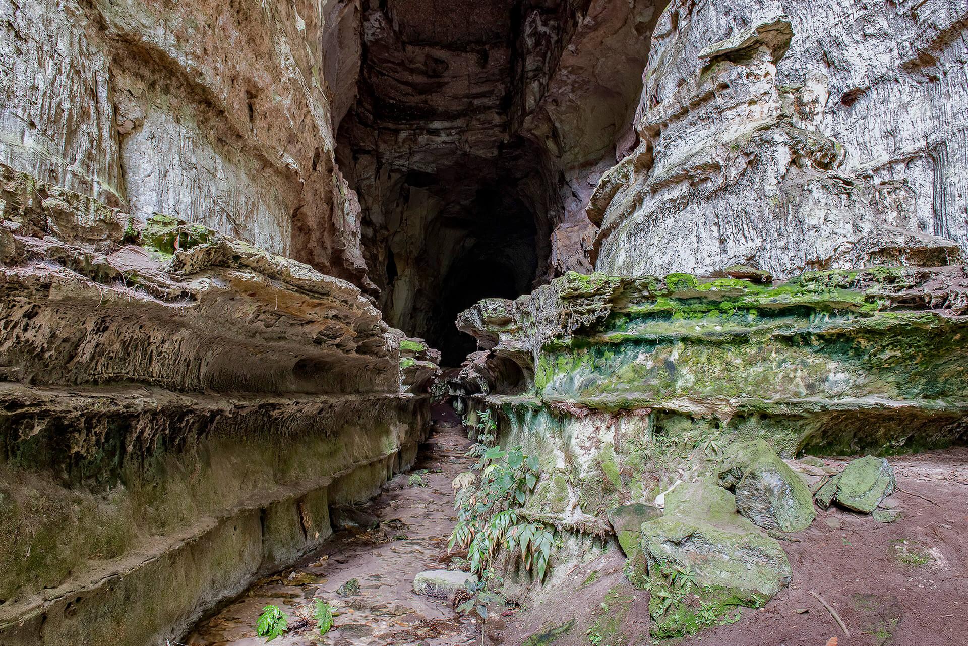 caverna kiogo brado na chapada dos guimaraes