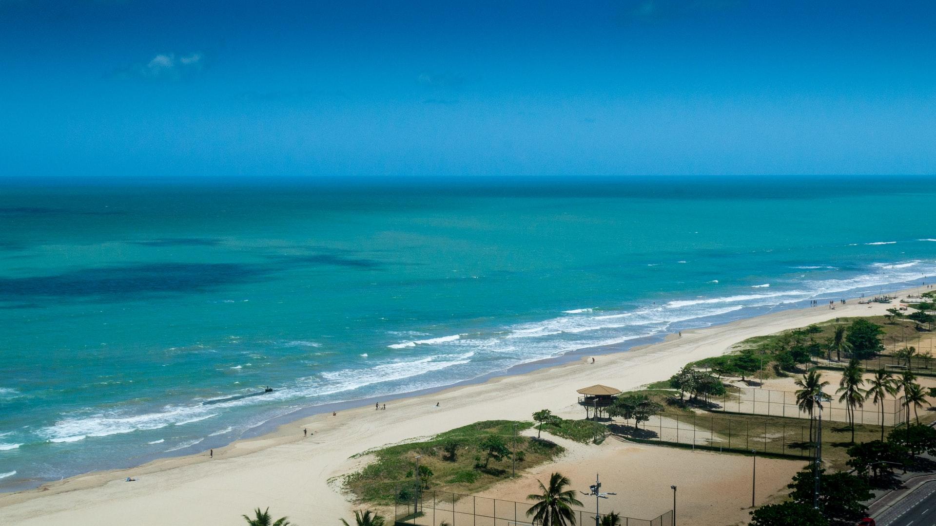 Orla da praia da Pina em Recife.